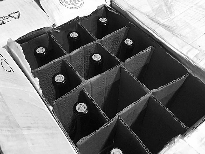 Scholium Wines logo on the cork top