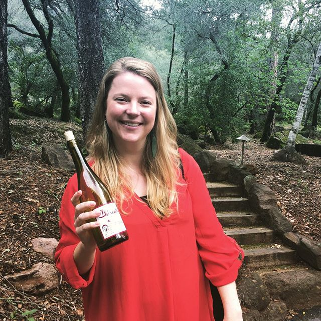 In the newest podcast episode, I chat with the clever and delightful mind behind @80harvests, @amanda_wine. She's traveling to over 40 countries to witness 80 harvests and record what makes each region so unique. We also talk about wine journalism, literature and fave childhood films. Read the blog post thru bio link or go straight to iTunes and download Pig&Vine Radio. #podcast #podcastlife #winepodcast