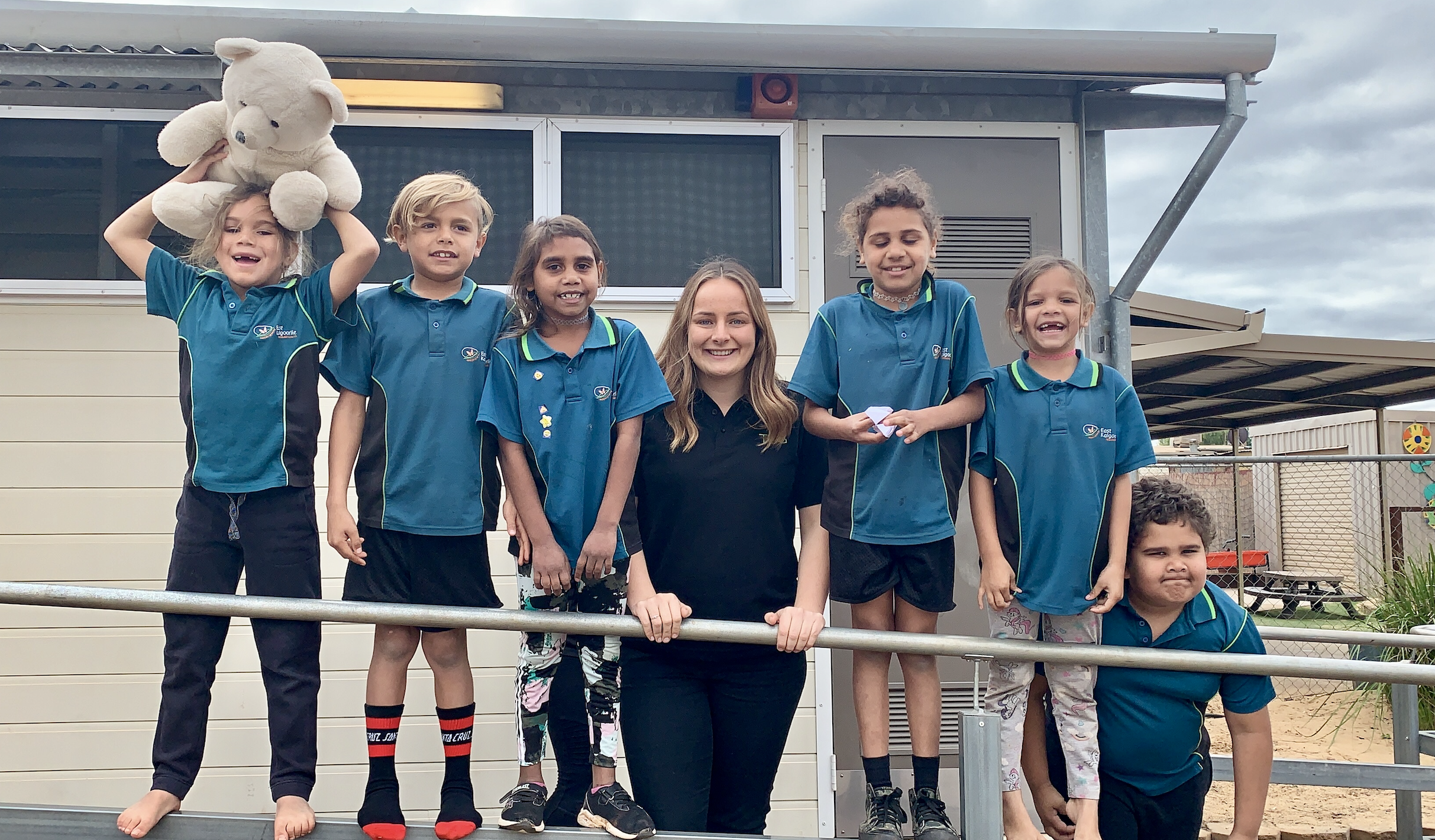 Chief Executive Officer Bridget Staude with students at East Kalgoorlie Primary School.