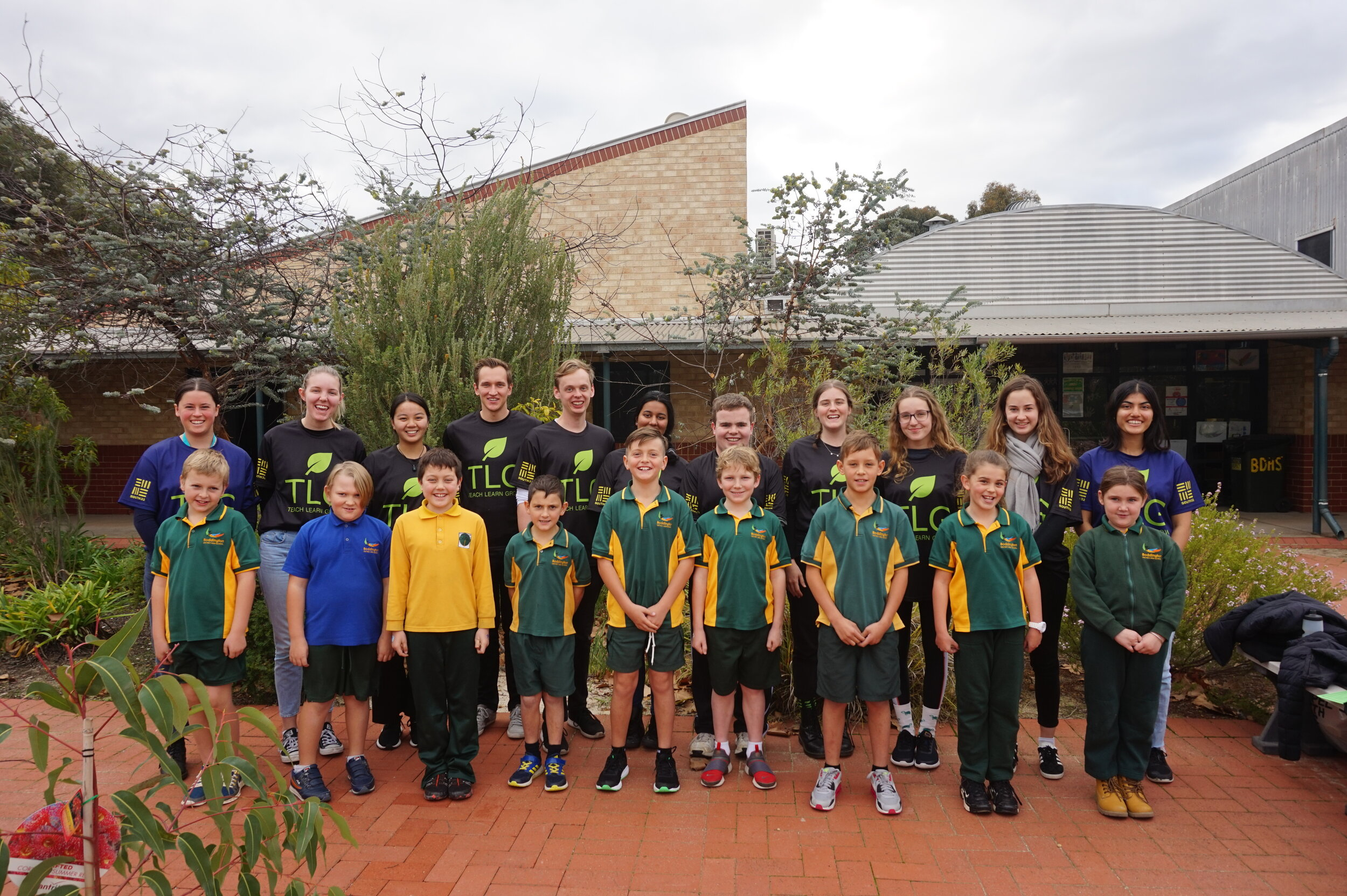Teach Learn Grow Volunteers and Boddington District High School students during the June 2019 TLG Rural Program