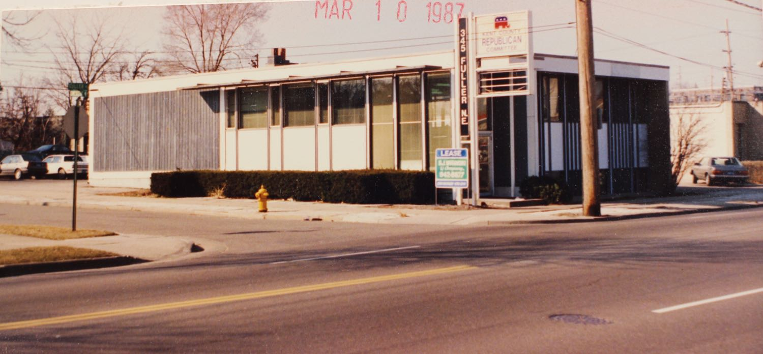 345 Fuller NE as Kent County Republican Headquarters.   1987 Photo Courtesy of the City of Grand Rapids Community Archives and Research Center.