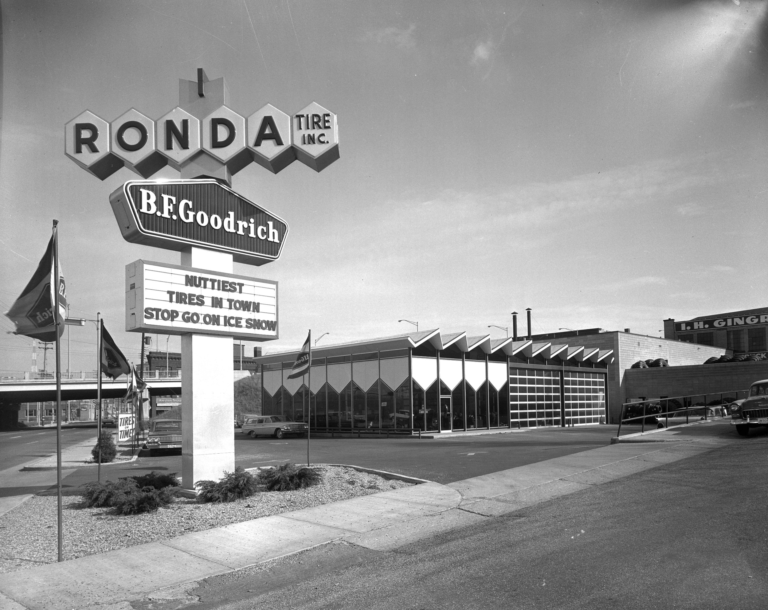 Early photo of the Ronda Tire Building.  Photo courtesy of Grand Rapids Public Library Special Collections and Local History