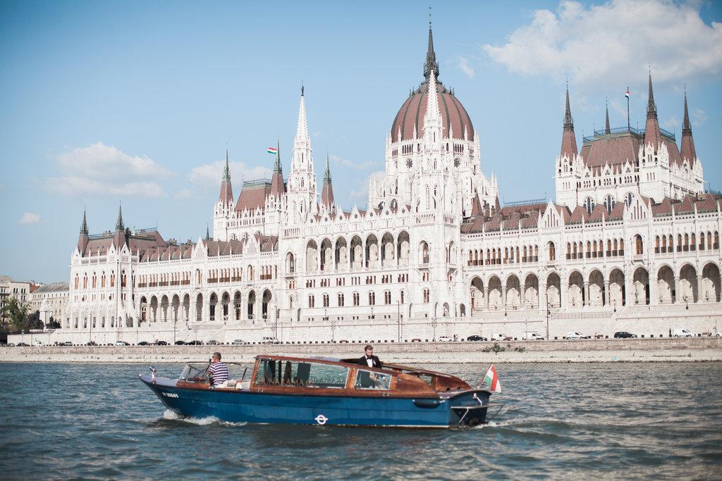 Well Travelled Bride Budapest Honeymoon Guide Dunarama Boat Hire.jpg