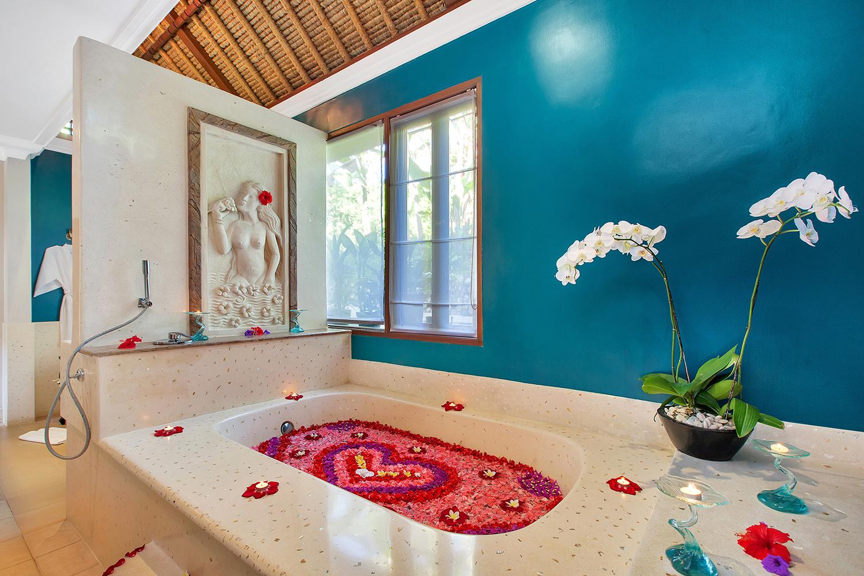 Well Travelled Bride Ubud Honeymoon Resort Viceroy Bali Day Spa Flower Bath.jpeg