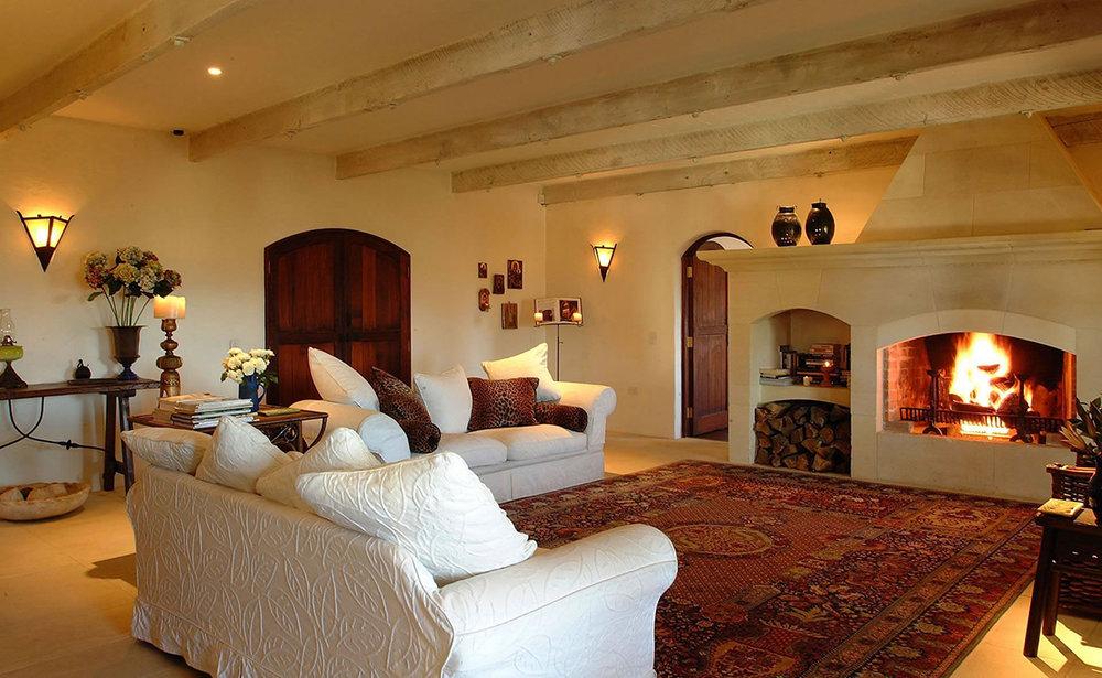 Well+Travelled+Bride+Lake+Wanaka+Luxury+Villa+South+Pacific (1).jpeg