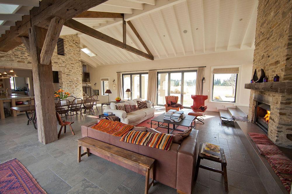 Well+Travelled+Bride+Wanaka+Luxury+Accommodation+Barley+Fields (1).jpeg