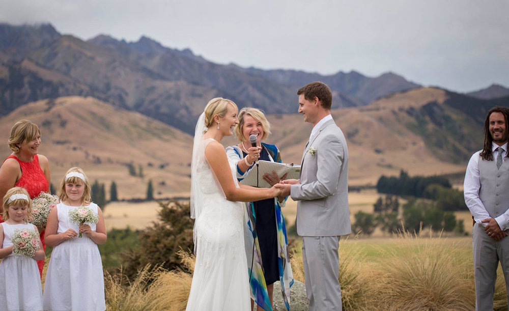 Well+Travelled+Bride+Wanaka+Wedding+Celebrant+Chosen+Beautiful+Weddings (2).jpeg