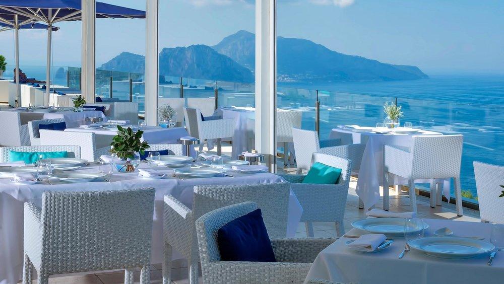 Well+Travelled+Bride+Italy+Honeymoon+Relais+Blu+Sorrento+1.jpg