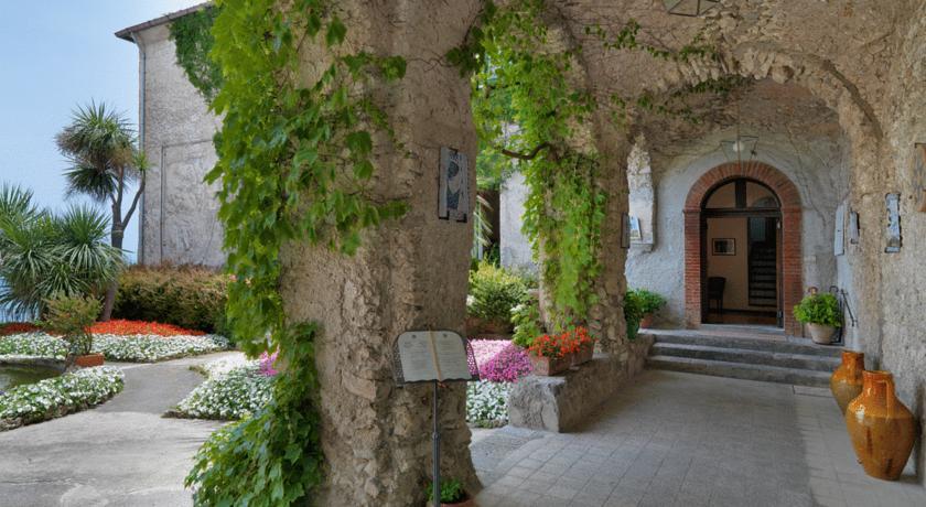 4 Well Travelled Bride Amalfi Coast Hotel Parisfal Wedding Honeymoon.jpg