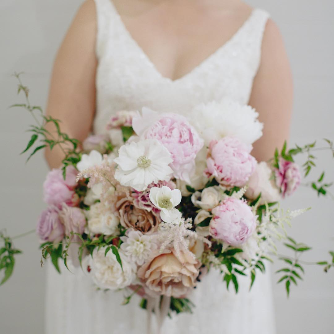 4 Well Travelled Bride Rose Apple Flowers Wedding Florist Byron Bay.jpg
