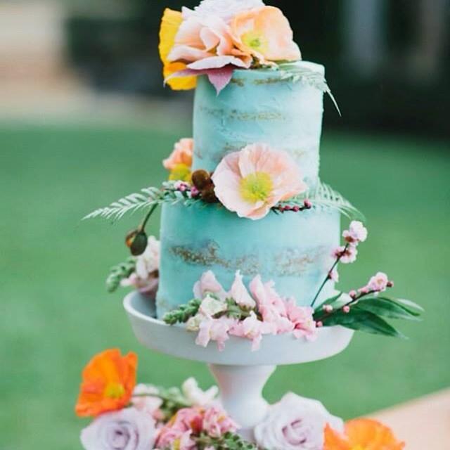 4 Well Travelled Bride Let Them Eat Cake Wedding Cake Byron Bay.jpg