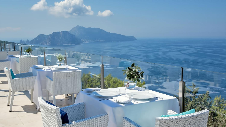2 Well Travelled Bride Italy Honeymoon Relais Blu Sorrento.jpg