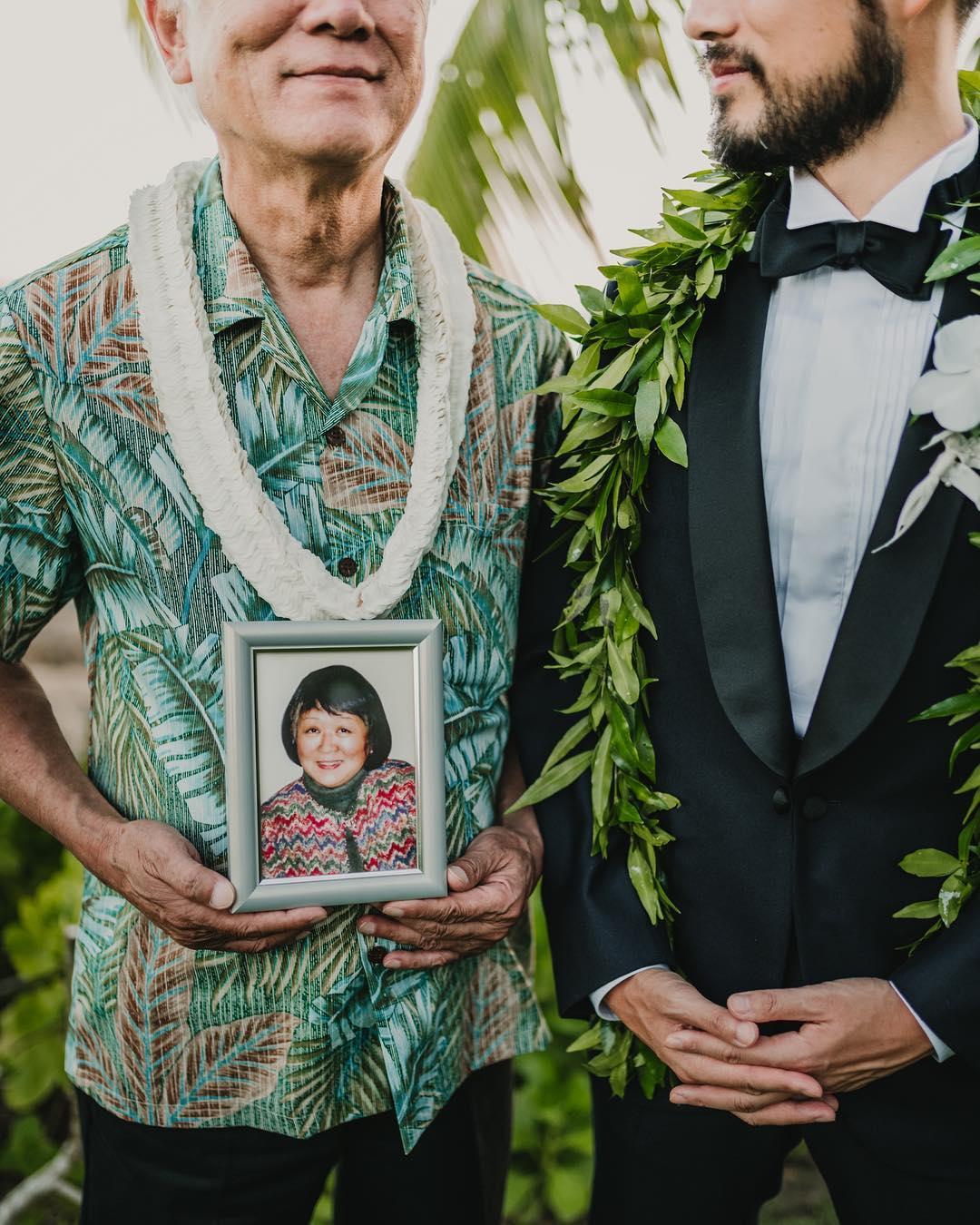3 Well Travelled Bride Christie Pham Wedding Photographer Hawaii.jpg