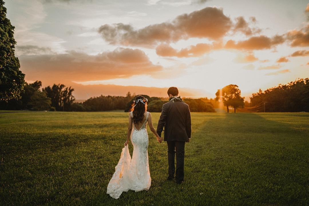 4 Well Travelled Bride Christie Pham Wedding Photographer Hawaii.jpg