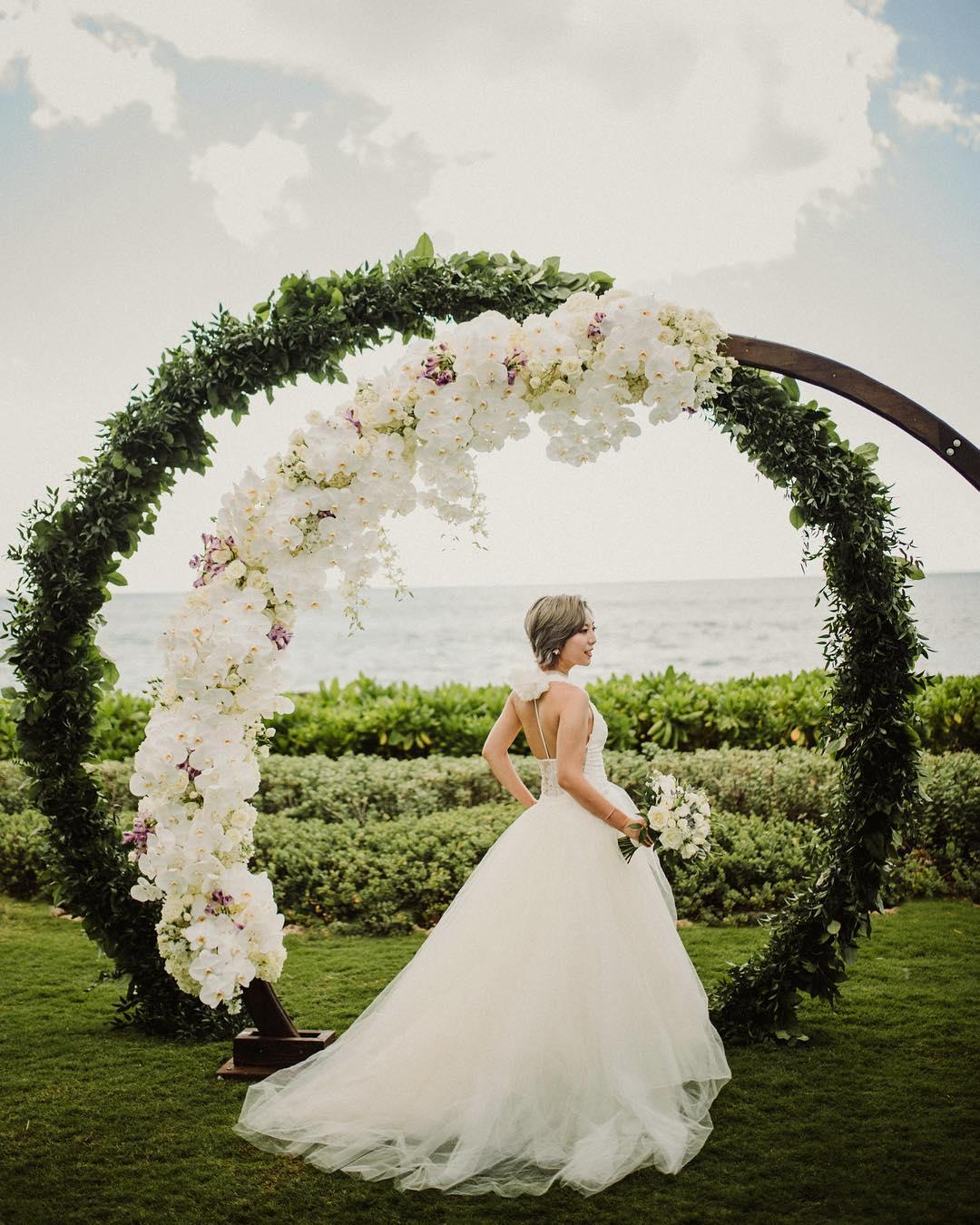 5 Well Travelled Bride Christie Pham Wedding Photographer Hawaii.jpg