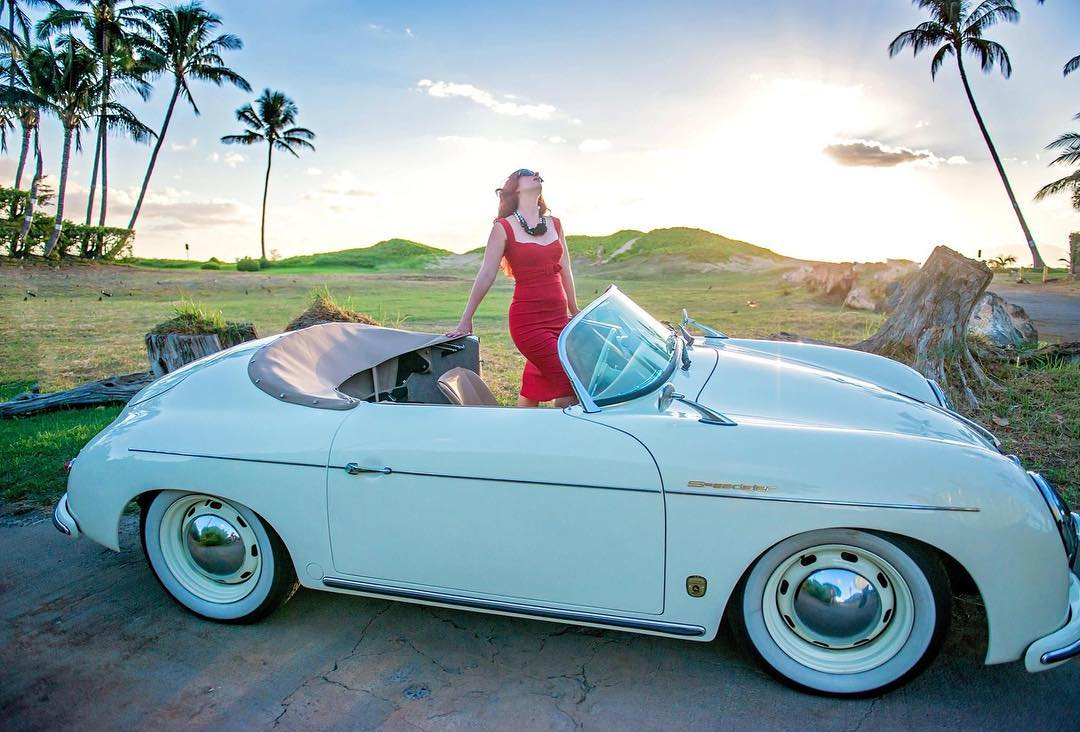 1 Well Travelled Bride Maui Roadsters Wedding Car Hire Hawaii.jpg