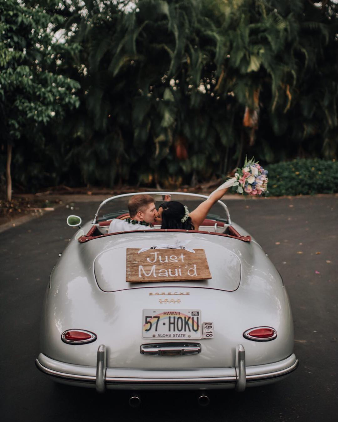 3 Well Travelled Bride Maui Roadsters Wedding Car Hire Hawaii.jpg