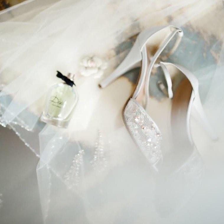 4 Well Travelled Bride Ana Szabo Photography Wedding Photographer Budapest.jpg