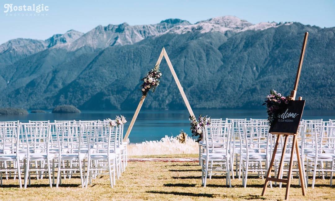 4 Well Travelled Bride Nostalgic Photography Wedding Photographer Lake Wanaka.jpg