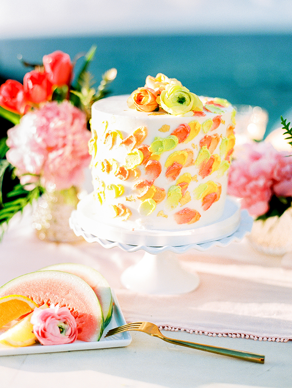 Well Travelled Bride Hawaii Wedding Inspiration Pinterest Cakes.jpg