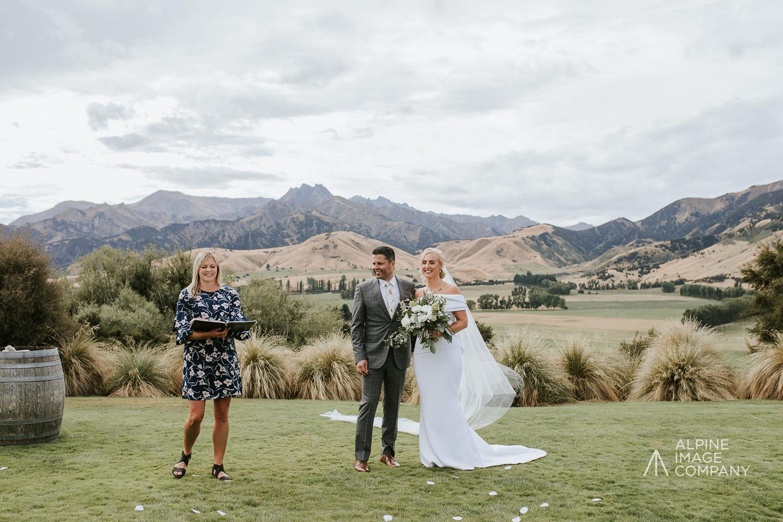1 Well Travelled Bride Gwen Hendry Wedding Celebrant Lake Wanaka.jpg