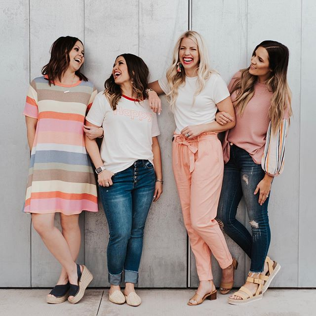 Tag all your BFFs and tell them why they're amazing! We LOVE that we get to interact with so many awesome women and feel so supported by you all! So thank you for that! 💗👯♀️💁🏼♀️