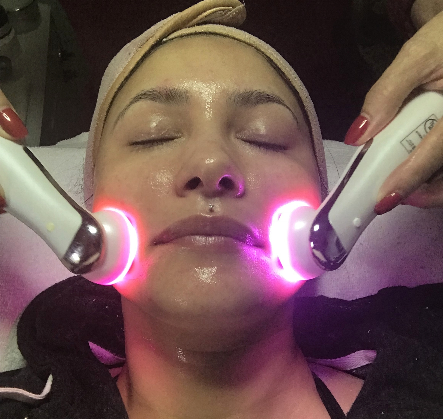 Angel-Microcurrent-Led-Beauty-Bar-Treatment.jpeg