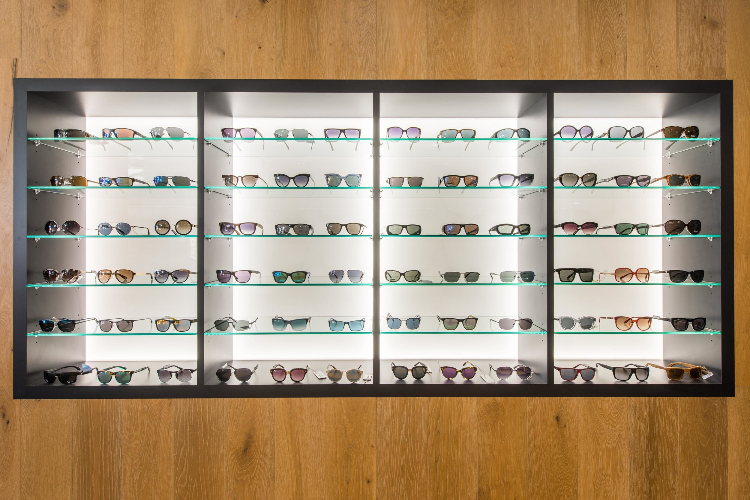 0009  - AAFS Shopfitting - Hastings Optical.jpg