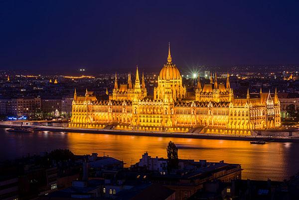budapest-night.jpg