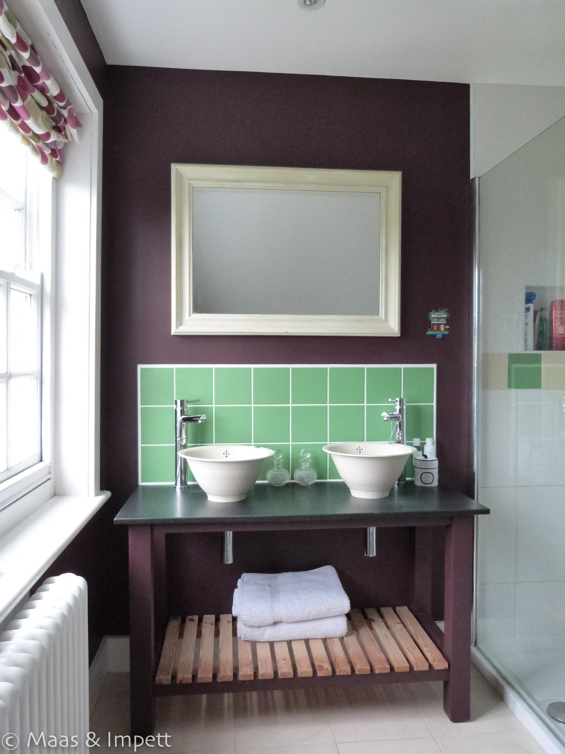 Washstand with ceramic sinks