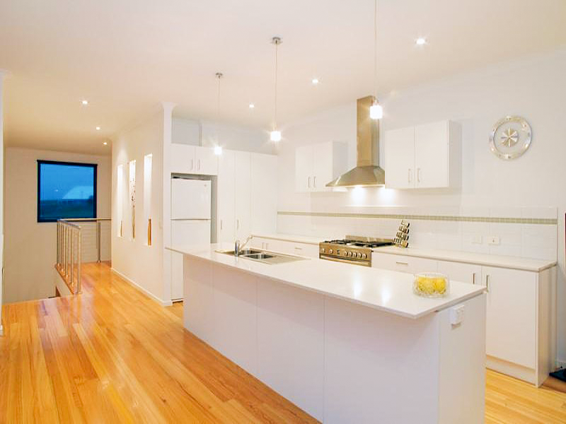Clarke&Co-Highton-III-Kitchen_Retouched.png