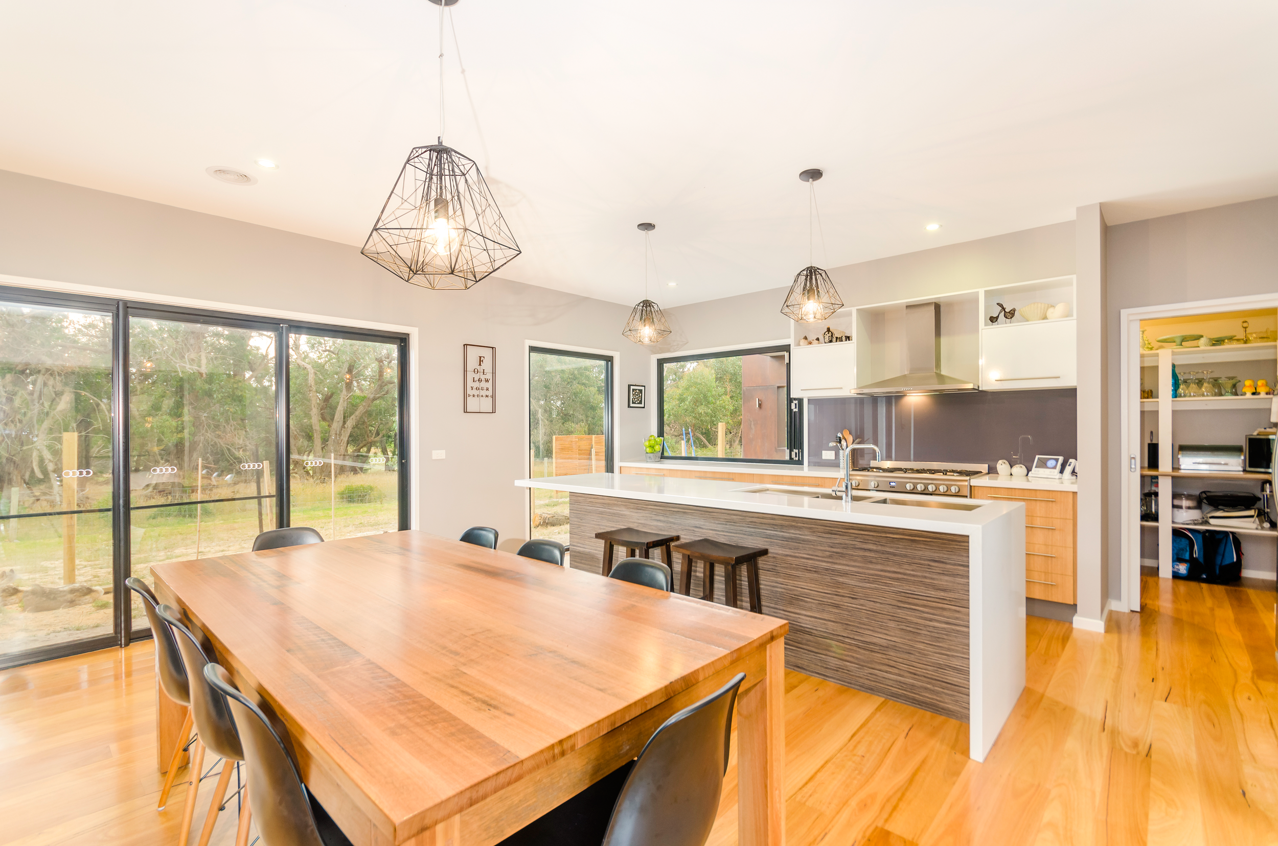 Clarke&Co-Torquay-Acreage-I-Dining-Kitchen_Retouched.png