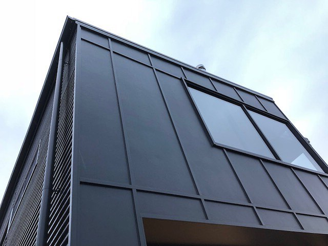 DETAIL at its finest.  Only the best quality from all the teams at Clarke & Co Builders #clarkeandcobuilders #cladding #residentialdesign #customdesign #detail