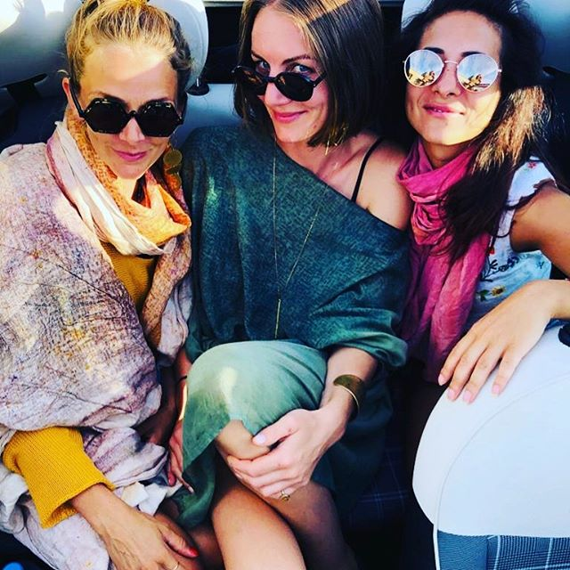 Girls on tour #Uhhhlala #cabrio #roadtrip #mallorca #moments #funtime #micadesign #shooting #handpainted #capes #dresses #scarfs #madefor #individuals #special #beautiful #people #thankful @mirja_egal @dii.panda @waldschuetz_world @dishtennis