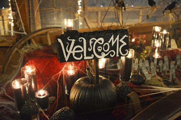 enchanted-forest-halloween-wedding-67-600x400.jpg