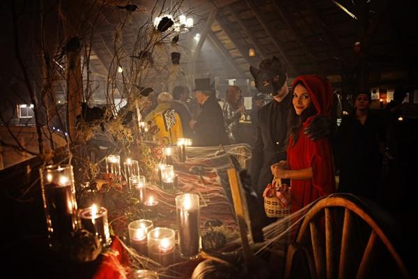 enchanted-forest-halloween-wedding-82-600x400.jpg