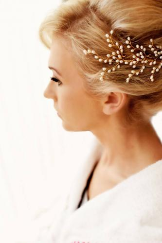 1452099473_Sarah Louise Wainwright-Lily Hairpins in Gold-Shutter and Co Photography_2.jpg