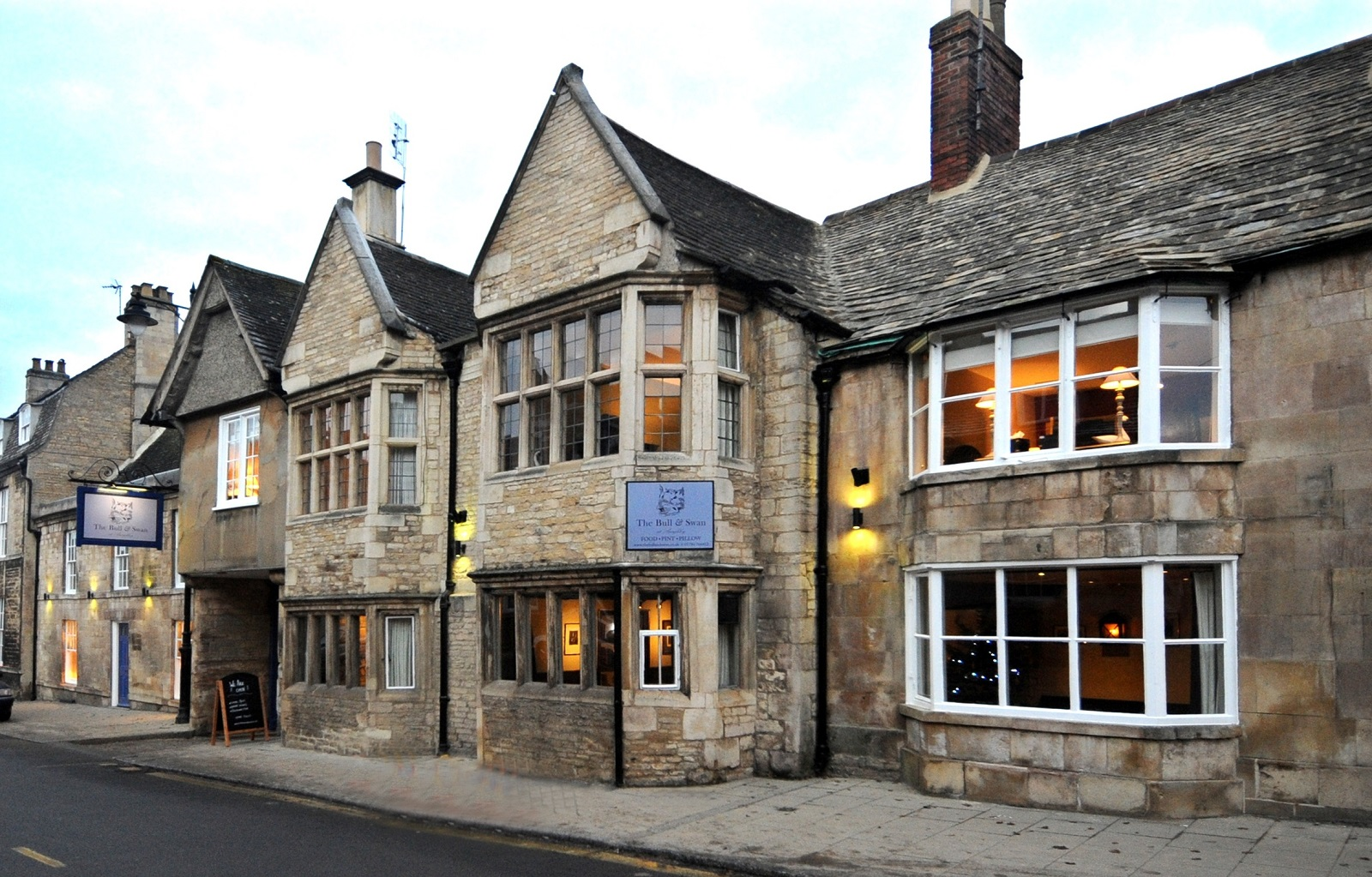 The Bull and Swan Stamford Places to Eat