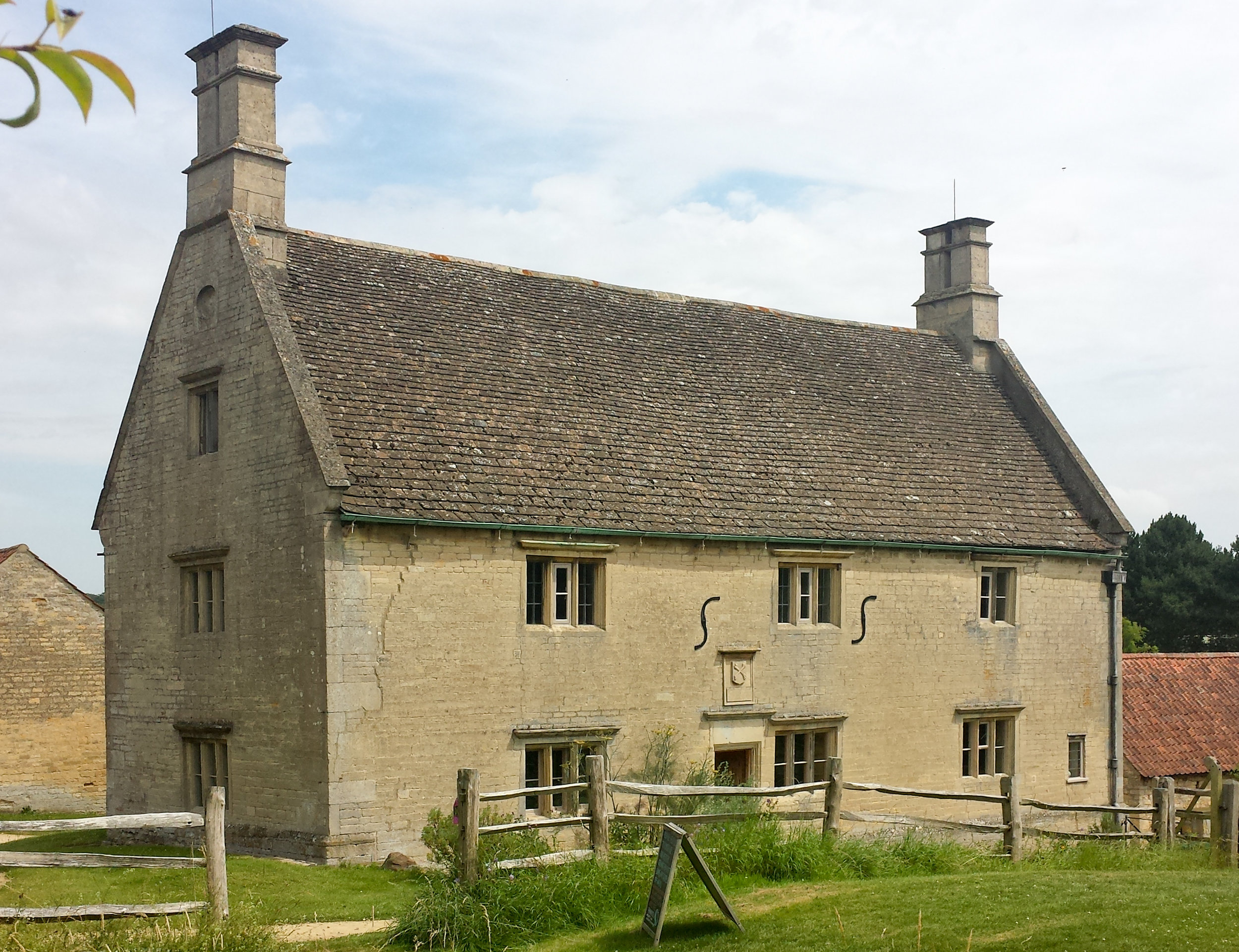 Woolsthorpe Manor South Lincolnshire By DeFacto