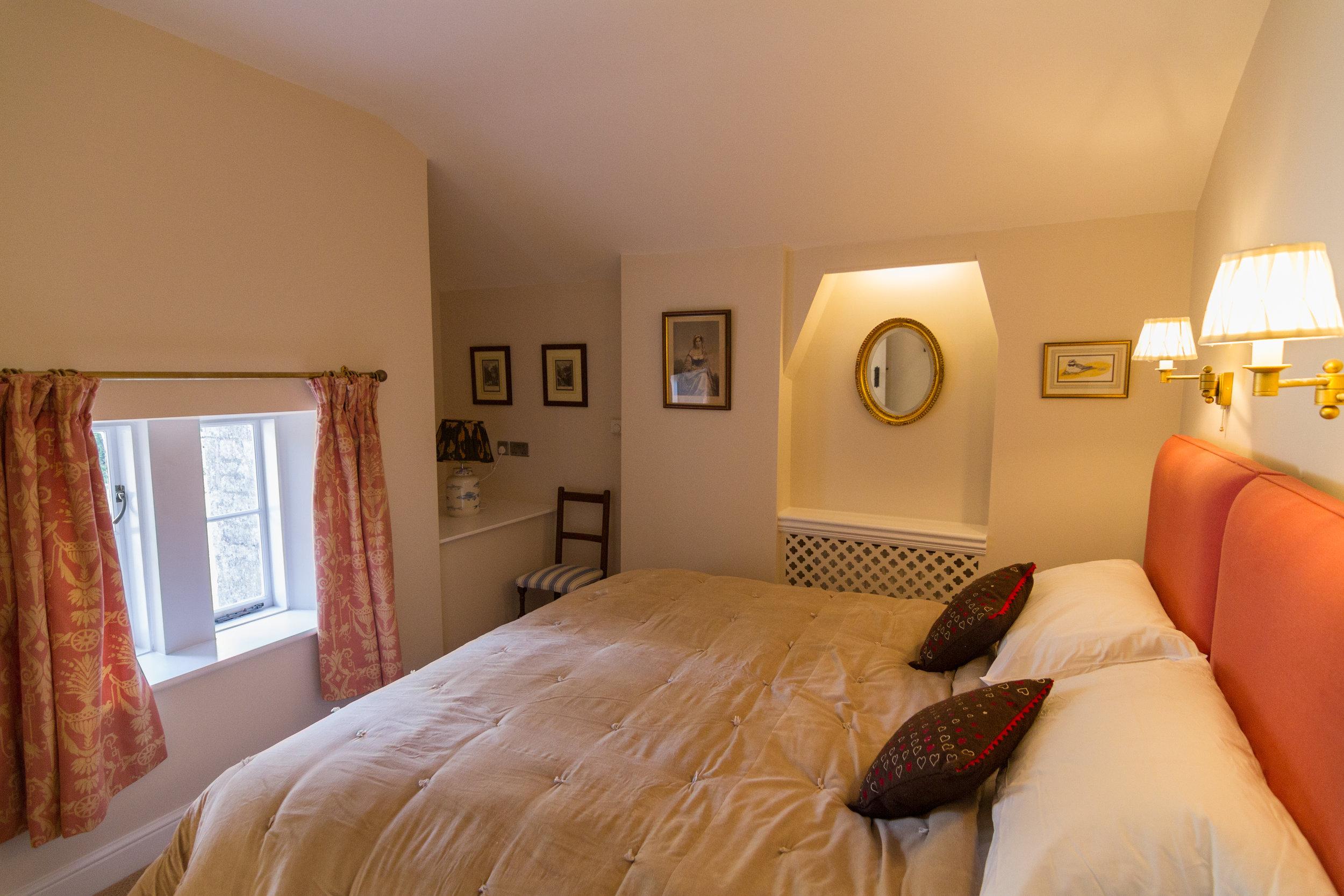 Gatehouse Lodge bedroom March 2016-1(2).jpg