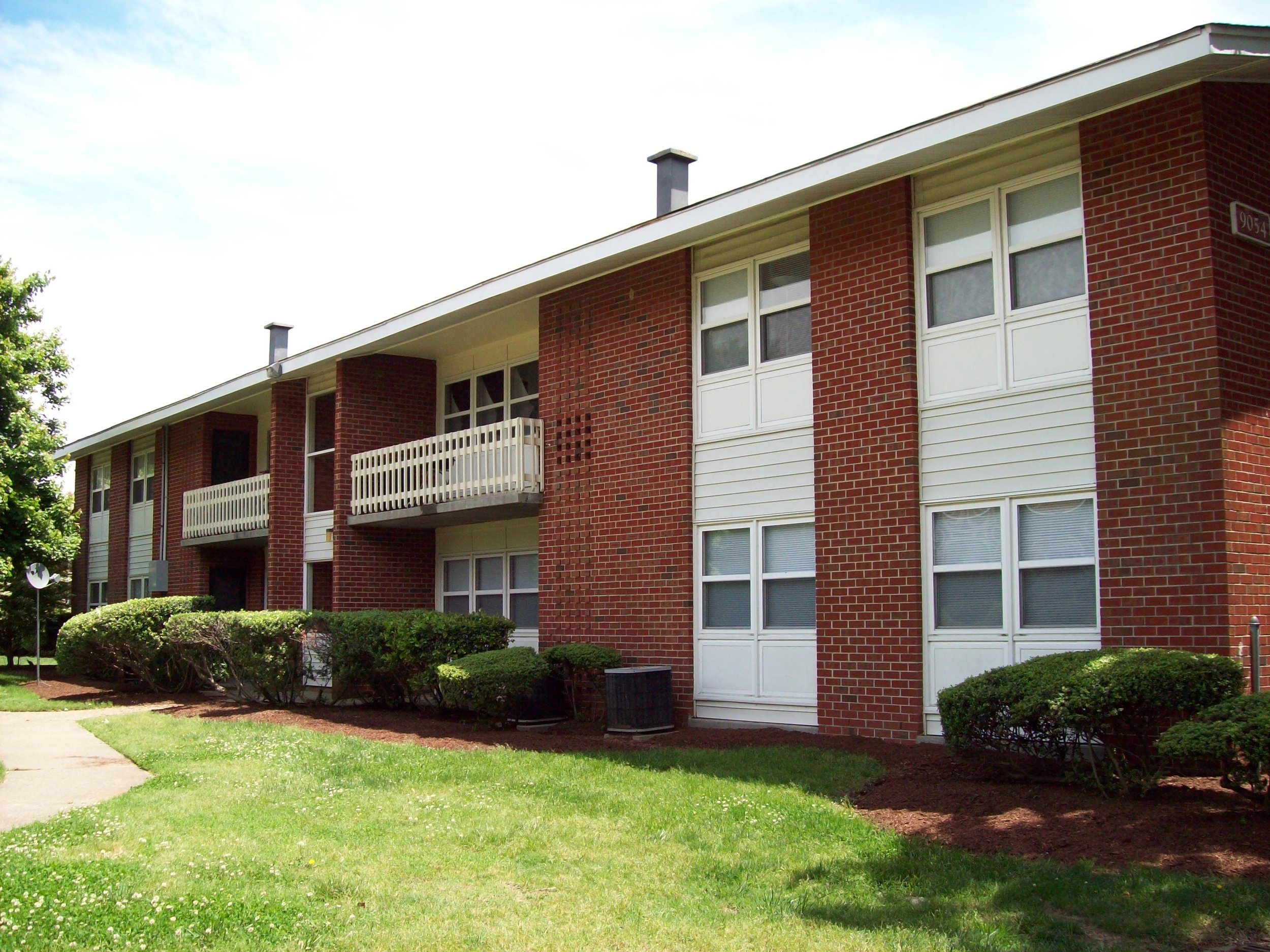 gates of west bay - 272 West Bay Ave #101, Norfolk, VA 23503Built-in: 1960 | Units: 202Gates of West Bay is located right at the entrance to Chamber's Field and Naval Station Norfolk, the largest Naval station in the world. The property has excellent access to I-64 that affords residents the ability to get to Virginia Beach, downtown Norfolk, Norfolk International Airport and Newport News with ease. We aim to renovate over half of the units by installing new appliance packages, vinyl plank flooring, and replacing cabinets and painting walls.