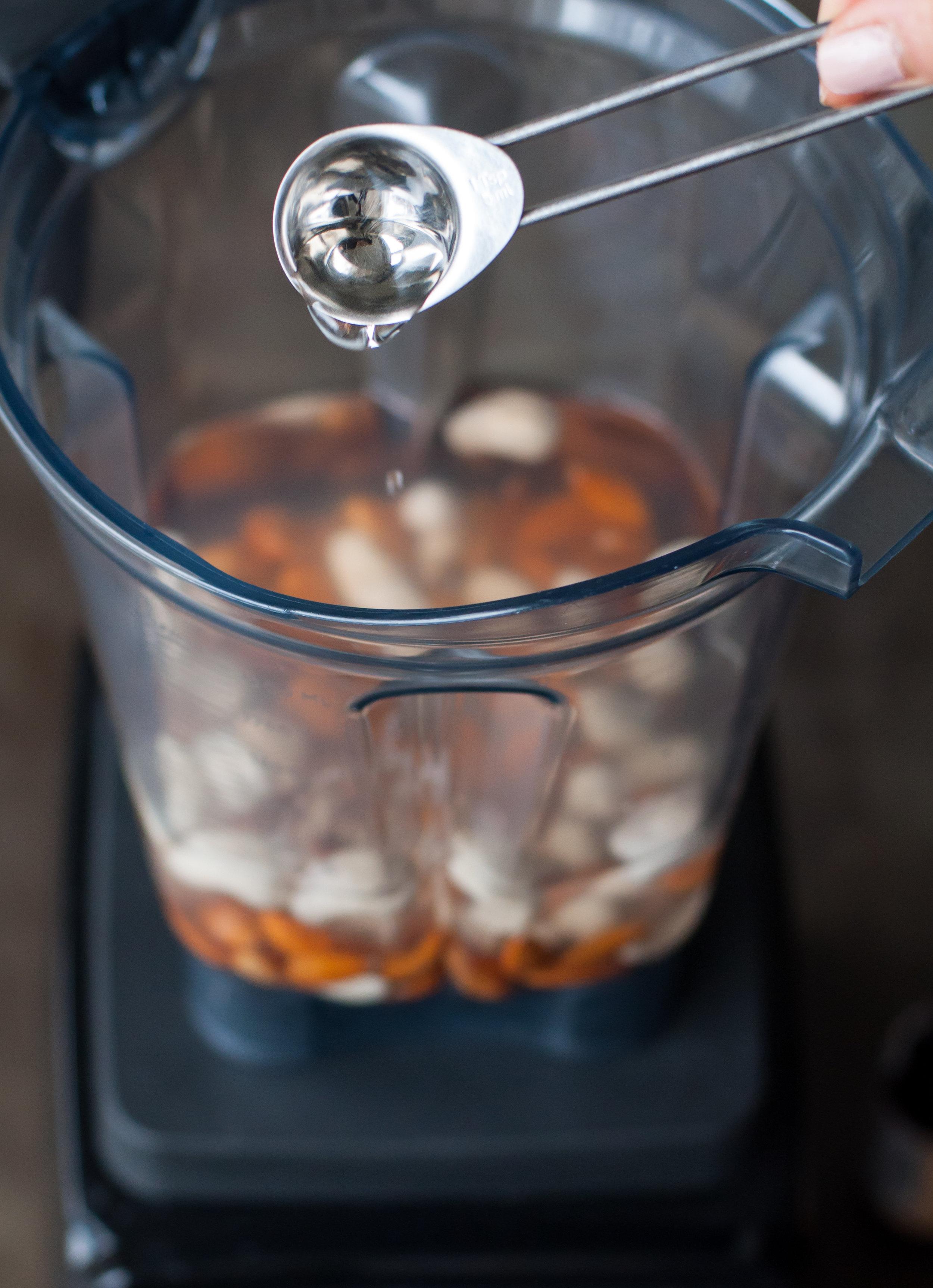 hazelnut coffee creamer-0144.jpg