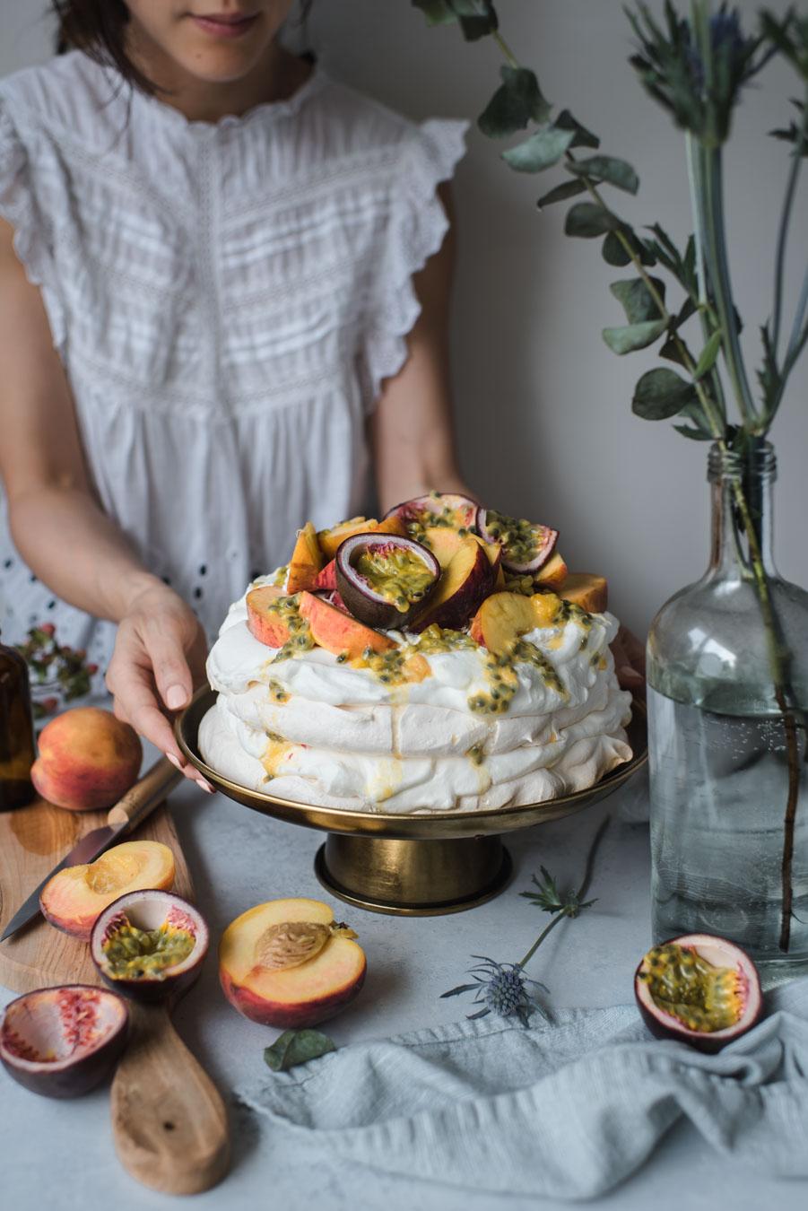peach passionfruit pavlova-1205.jpg