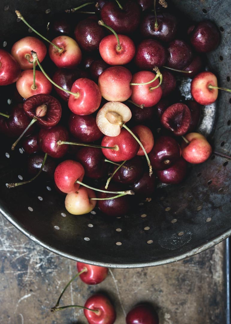 Boozy Cherry Pavlova Paderno-4923.jpg