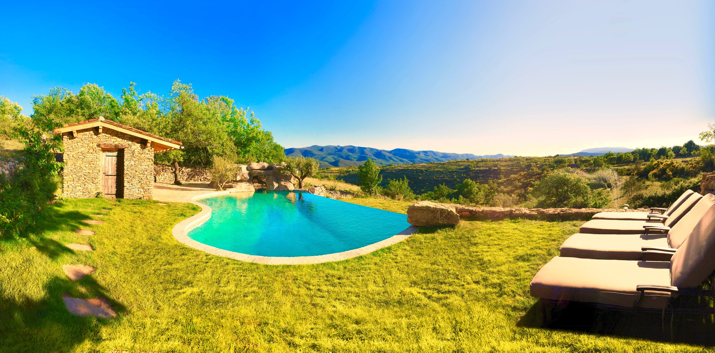 French holiday vila with pool