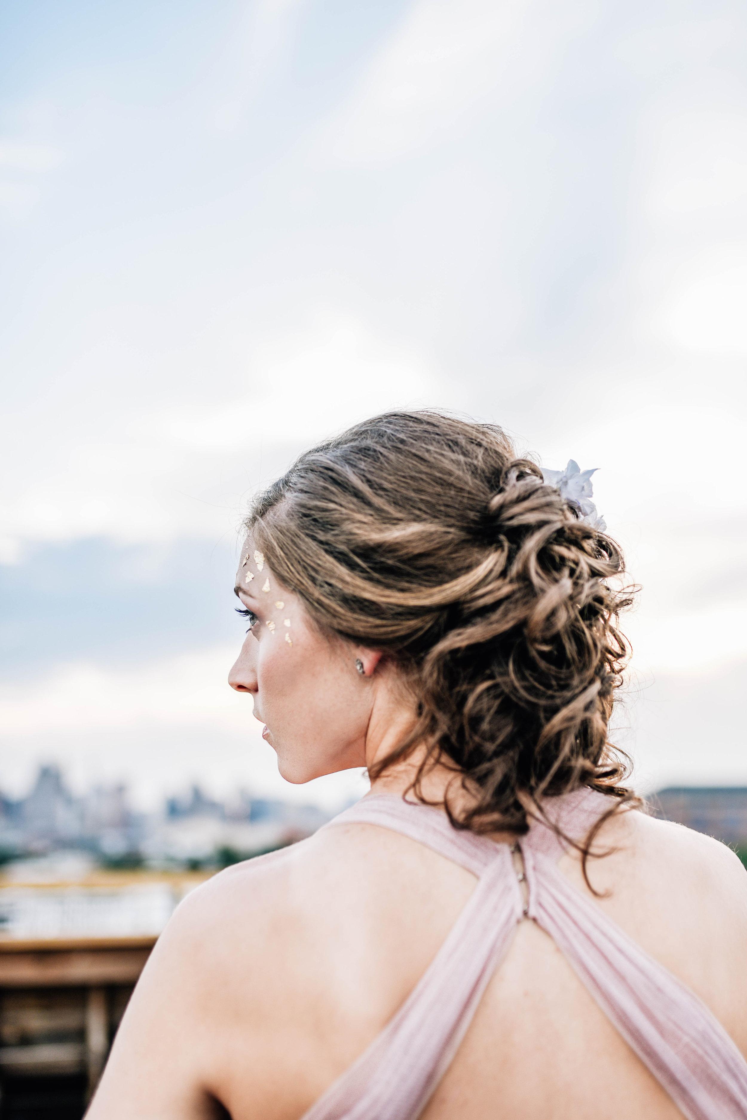 Baltimore_wedding_planner_deep_color_styled_shoot_bouquet_bride_Steel_cut_flower_co