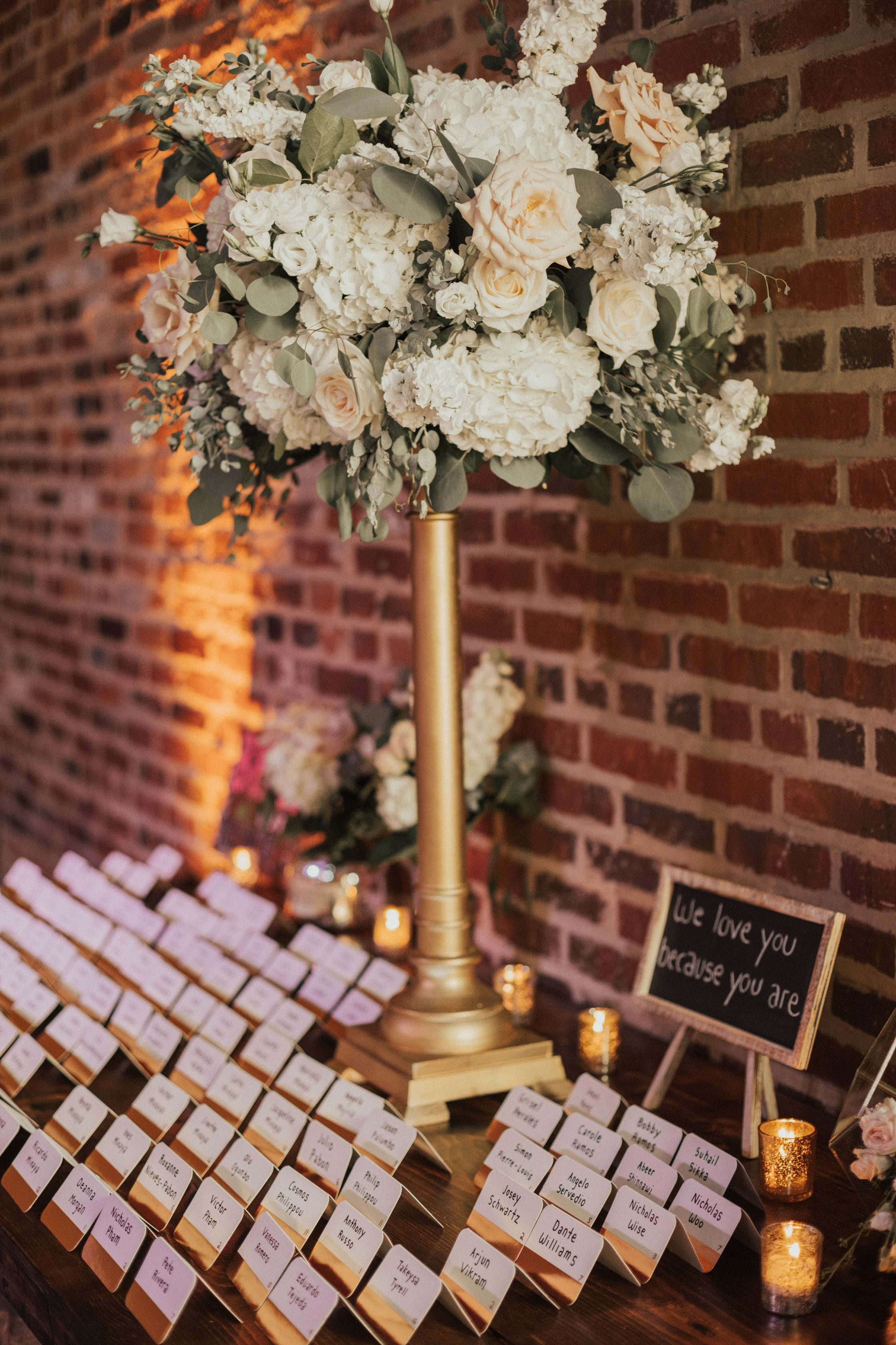 saul-cervantess-maryland-wedding-planner-baltimore-american-visonary-arts-museum-wedding-escort-table