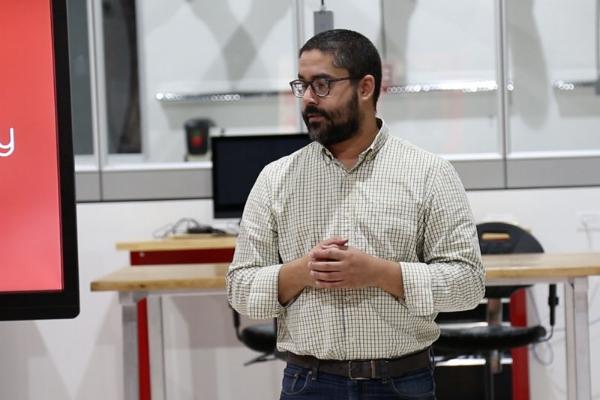 Javier es el coordinador de Emprendimiento del Departamento de Administración de Empresas