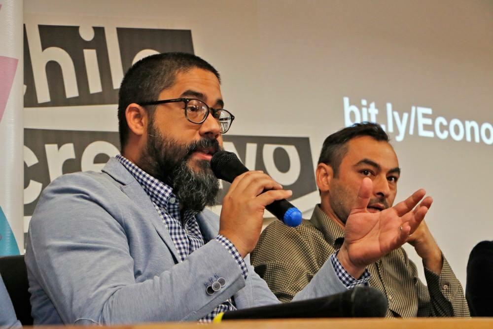 Durante panel de discusión en la conferencia