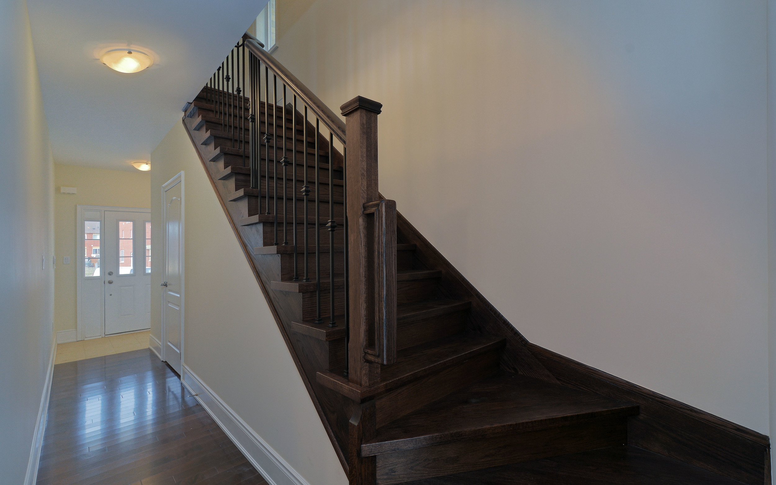 004-Foyer and Staircase.jpg